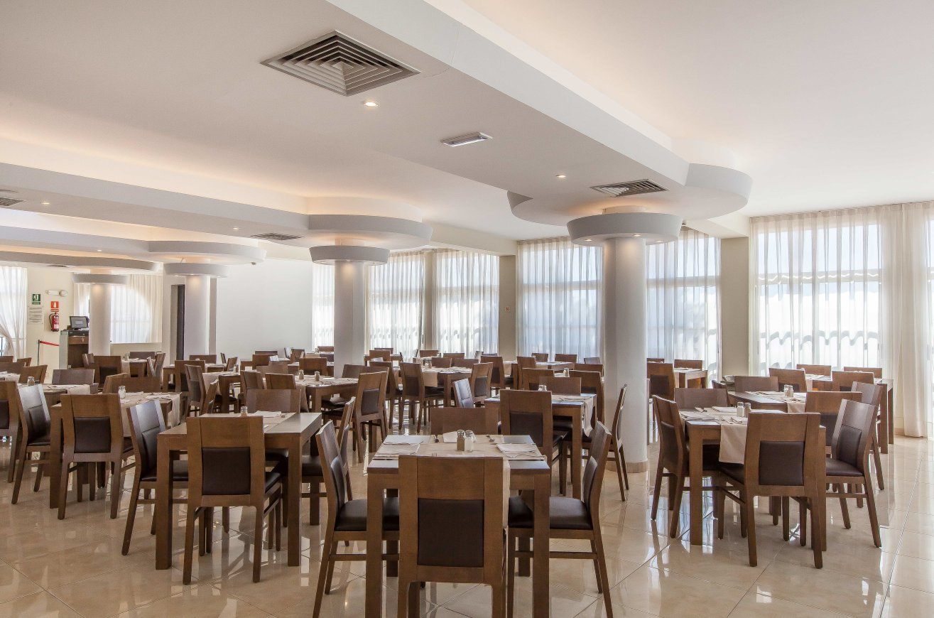 Buffet Restaurant/FERGUS Club Europa